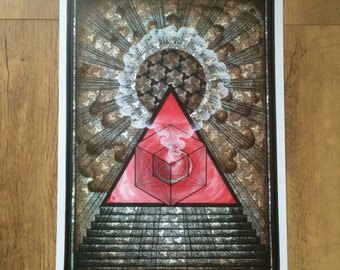 Geometric pyramid print