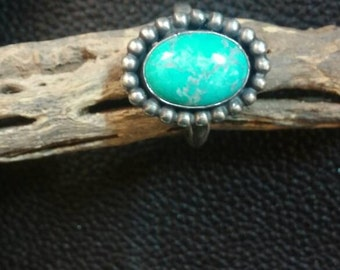 Oval round bead ring