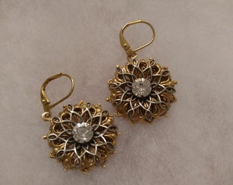 Rhinestone two tones earrings