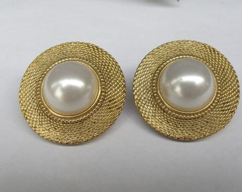 Vintage Large pearl Earrings