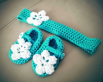 Very cute teal crochet cotton newborn baby booties / shoes and matching headband with white flower - perfect gift for a new baby girl