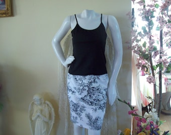 Talbot's Black/White Pencil Skirt with French Country Scene, size 6