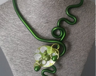 Green Pearl long necklace