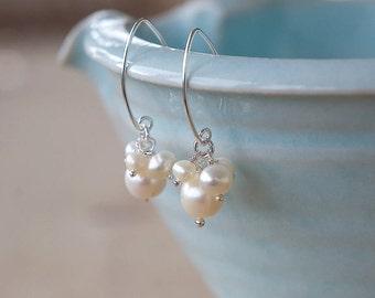 Cream pearl Cluster Earrings, Freshwater Pearl Earrings, Dangle Earrings, Handmade Jewellery, Pearl Wedding Earrings, Bridal Jewellery