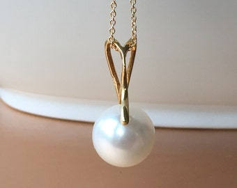Swarovski pearl necklace. 14k gold filled. Gold vermeil. Free shipping within USA.