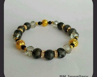 Bracelet - natural gemstone and glass beads