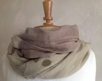 Natural leaf scarf/khaki/Brown/gradient/reasons / color and prints, hand-made by vegetable dye.