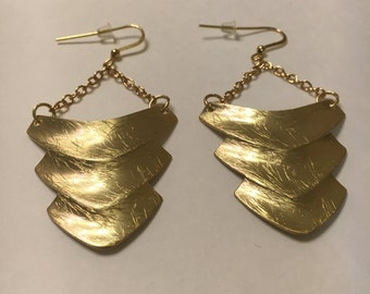 Beautiful Gold Dangle Earring