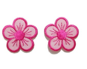 Pink Floral iron/sew on patch, embroidery, flowers motif appliques, round shape, 3.5 cm. diameter, fabric decorations, adhesives (F-190)