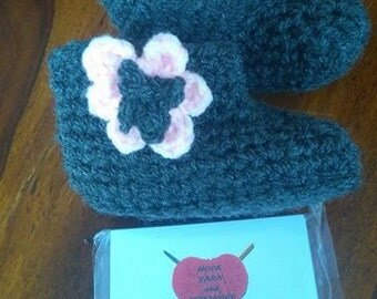 Crochet Flower Baby/ toddler Boots/ booties/ slippers