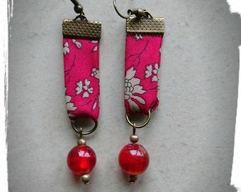 Earrings in red tones fabrics
