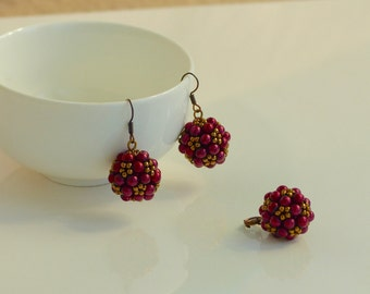 Beaded Earrings with matching Pendent