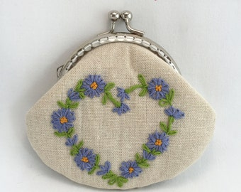 Frame purses/wallet/pouch: Embroidery, heart, flowers