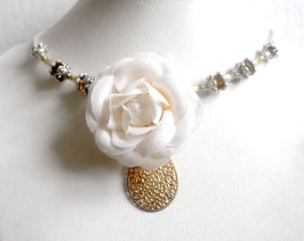 Flower natural necklace topaz crystal.