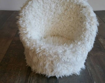 Newborn props armchair fake fur