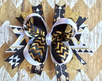 Black and gold hair bow.