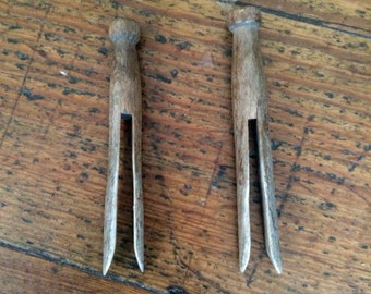 Handcarved Wooden Clothes Pegs - Vintage Clothes Pegs - Vintage Kitchenalia - Retro Kitchen Styling - Dolly Pegs