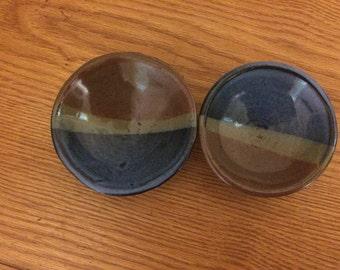 2 Dipping sauce bowls