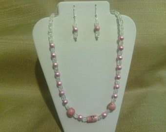 262 Victorian Style Pale Pink Porcelain Beads and Miracle Glass Beaded Choker