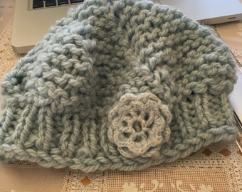 Blue knit Beret with flower