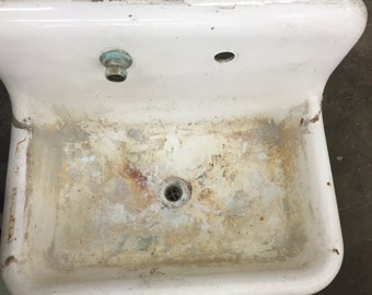 Cast Iron One Compartment Sink, White