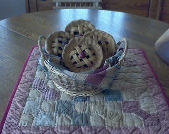 PRIMITIVE MINI-PIES-with plaid cloth in a country basket