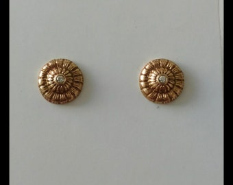 14ky gold studs with diamond