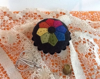 Ready to Ship, Tart Tin Pincushion with Wool Applique and Embroidery, Dresden Plate Felt Pincushion