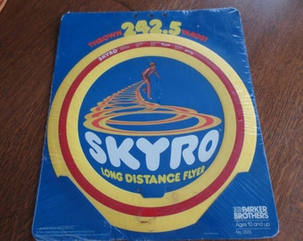 Vintage Skyro Long Distance Flyer