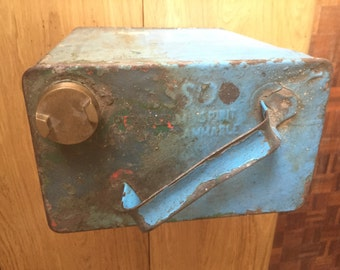 Lovely vintage petrol can - loads of patina