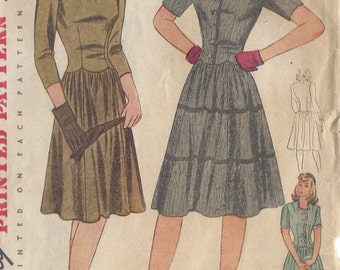 "1940s Vintage Sewing Pattern DRESS B32"" (116) Simplicity 4427"