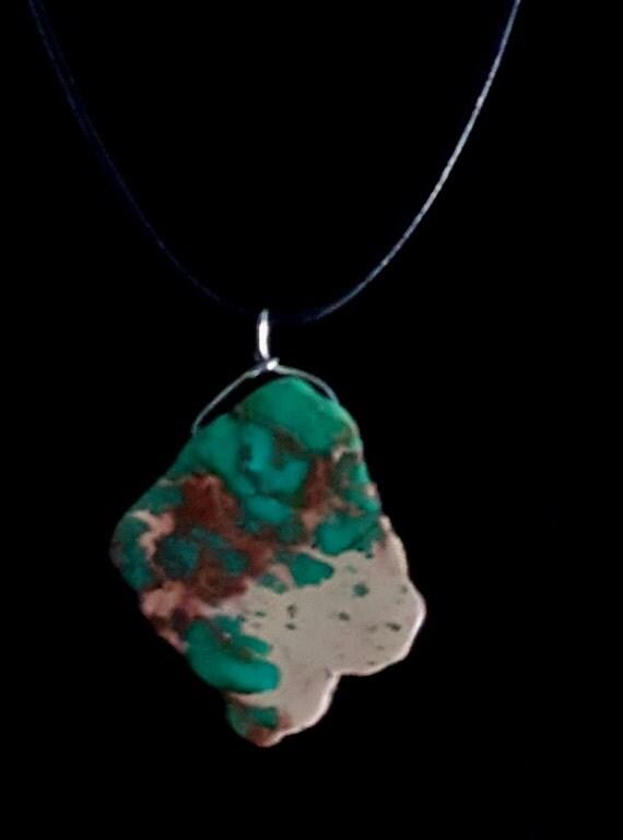 Green Stone Pendant / Natural Stone Pendant / Green Pendant / Hanging Pendant / Womans Pendant / Ladies Jewelry/ NP61066