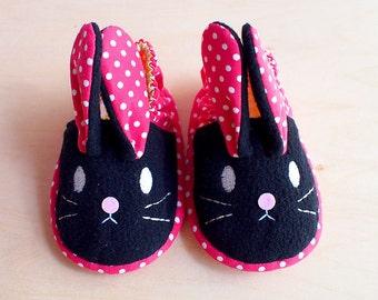 Elastic Baby Booties - Chubby Bunny 13