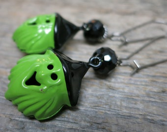 Trick or Treat - Witches earrings ... spooky goblin witches / onyx / hematite