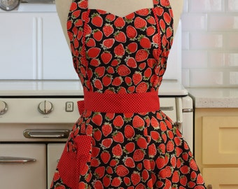 The MAGGIE Vintage Inspired Strawberries on Black Full Apron