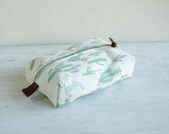 Large Dopp Bag in Cactus Print