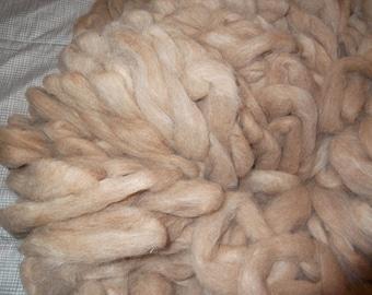 5 oz beige-red llama THISTLE
