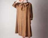 modern romance paisley ascot bow tent dress / 70s dress / pussy bot dress / s / m / 1636d