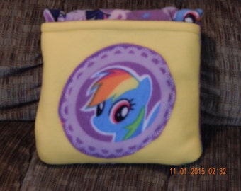Quillow -- Blanket that folds into a pillow, My Little Pony, Rainbow Dash