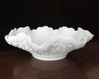 Fenton Daisy And Button Pattern Milk Glass Bowl