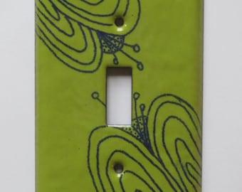 Enamel flower switch plate in chartreuse