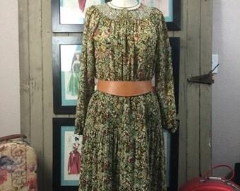 Sale 1970s floral dress 70s boho dress size medium Vintage bohemian dress casual hippie dress