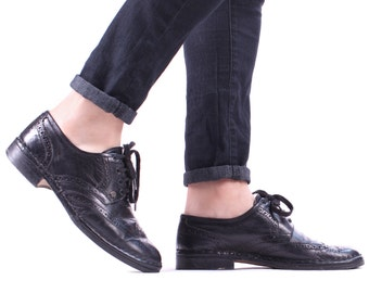 Vintage 1980s PERFORATED Oxford Shoes  Mens Wingtip Brogues BLACK 80s Leather Made In Italy Smart Dress Shoes US mens 8 Eur 41  Uk 7.5