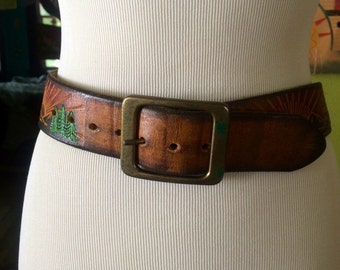 Vintage 1970's leather sunkist belt. Size 28