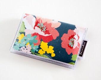 Handmade Vinyl Card Holder - Curio / card case, vinyl wallet, snap, women's wallet, small wallet, floral, pretty, flowers