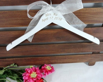 Monogram Wedding Hangers Engraved Bridal Dress Hangers No Wire Wedding Photo Props