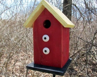 Birdhouse Functional Primitive Yellow Red White Knobs