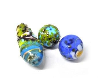 Set of spring beads