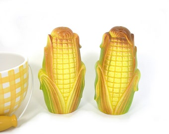 Corn on Cob Salt and Pepper Shakers, Yellow, Vintage 1960s, Made in Japan, Collectible Kitchenware, Retro Kitchen Decor