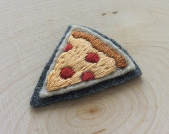 Sew-on Patch, Pepperoni Pizza, Hand Embroidered Patch, Pizza Flair, Felt Patch, Food Gift, Pizza Slice, Jacket Patch, Pizza Gifts, Tiny Food